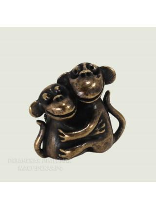 Пара обезьянок