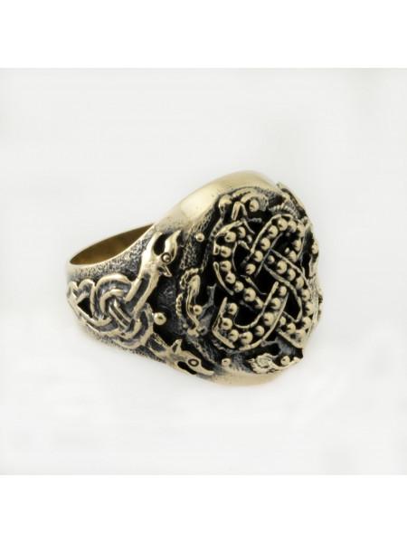 Перстень с чудовищем, стилизация